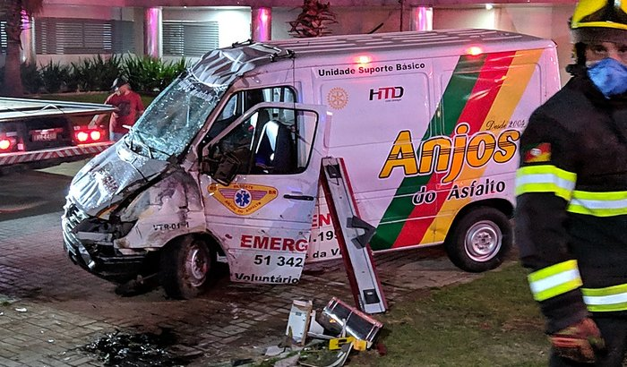 Uma nova ambulância para os ANJOS DO ASFALTO