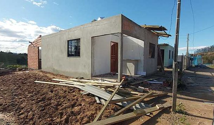 Casa do soldado Baldança é destruída mais uma vez