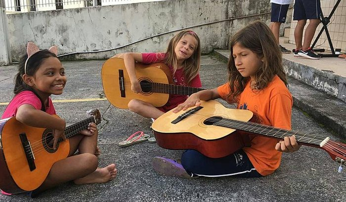 Acesso a cultura para 100 crianças e famílias de Florianópolis