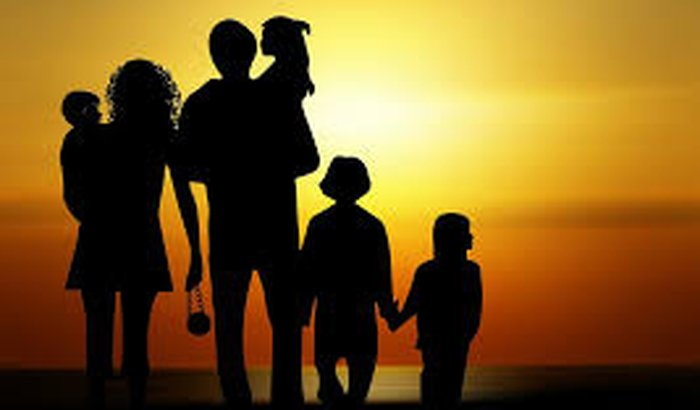 Ajudando Familia