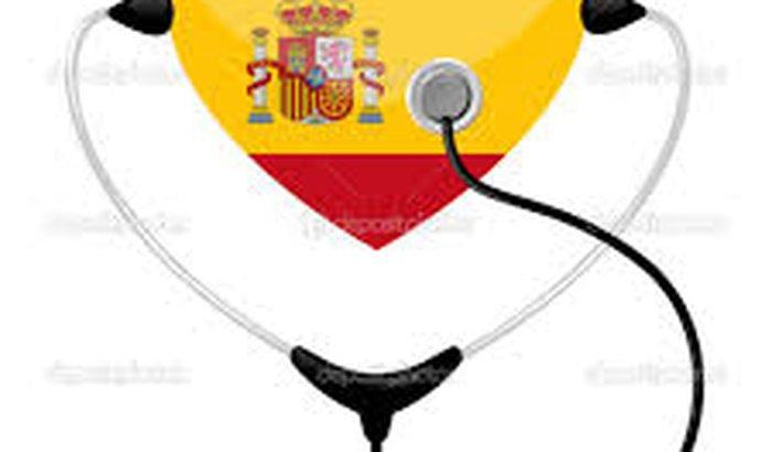 Ajude viaja para Espanha cursa medicina