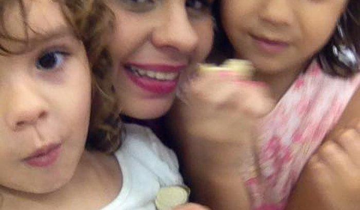 Ajude Andreza e suas filhas
