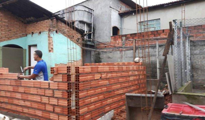 PROTETORA SEM BANHEIRO E SEM COZINHA - OBRA PARADA