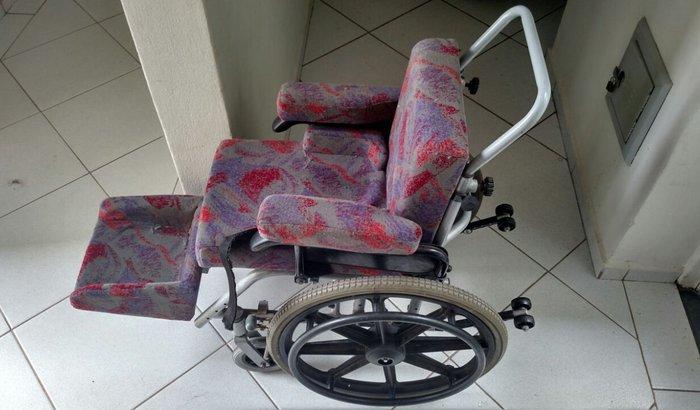 Me ajudem a comprar minha cadeira de rodas!