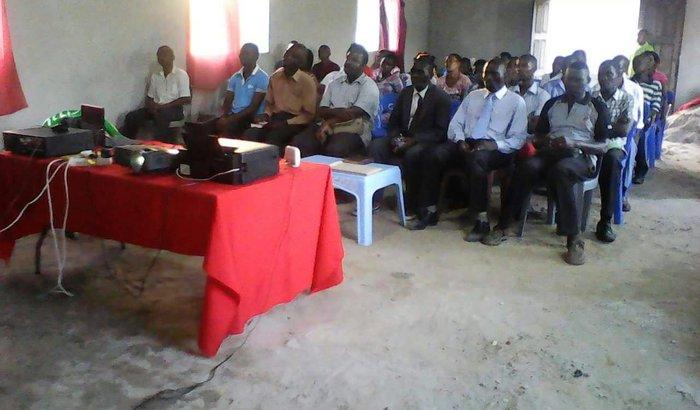 Piso para a igreja do Polo da CEAB em Beira-Moçambique