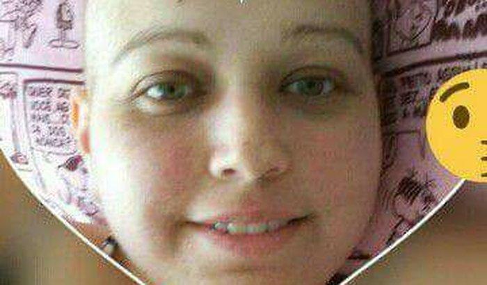 Vamos ajudar a Karina, ela luta pela vida