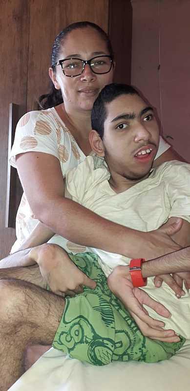 Cadeira de rodas para o Gabriel