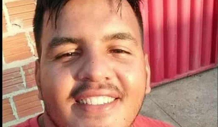 Ajude o Ricardo