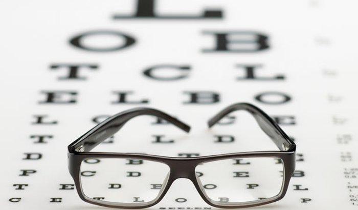 Ajuda para fazer exame de vista e óculos