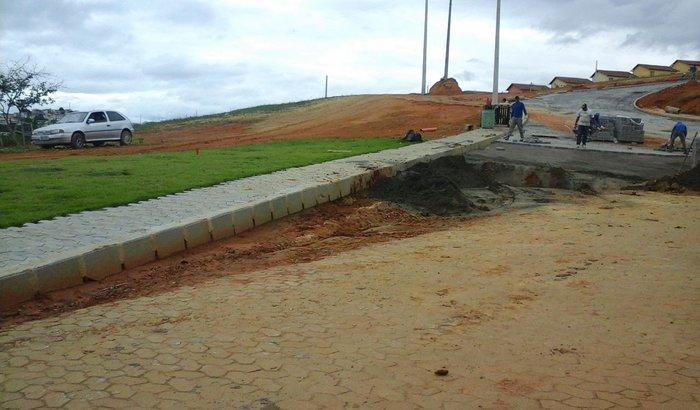 Terreno e construção em Cariacica - ES