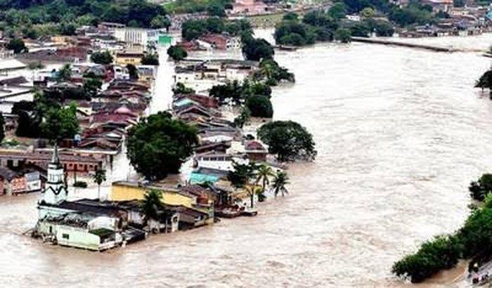 Enchentes  (Ajuda as famílias)
