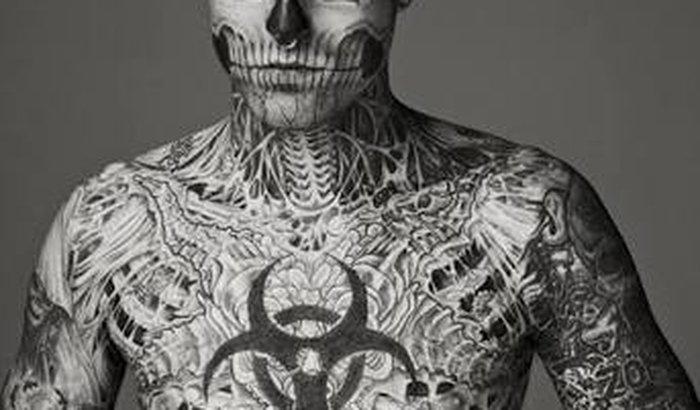 Tatuar o corpo inteiro além da testa!