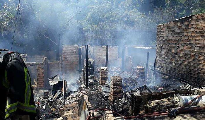 Apoio às demandas urgentes e à reconstrução de casas na Cai Cai