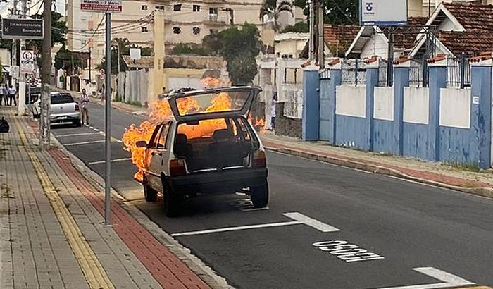 Táxi dog que pegou fogo 🔥