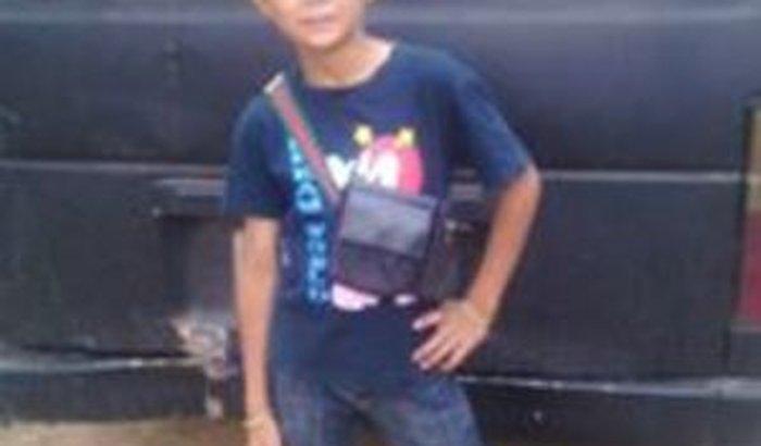 tenho filho que mora na tailandia faz 11 anos nao vejo me ajude por favor sera uma bença