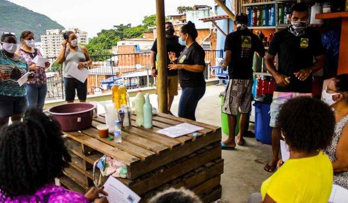 Pespc Santa Marta - O milagre da multiplicação numa favela .