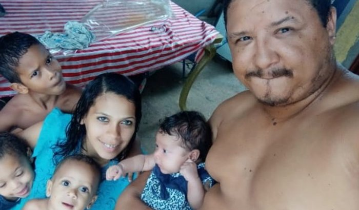 Vamos melhorar  a casa desta família !!!