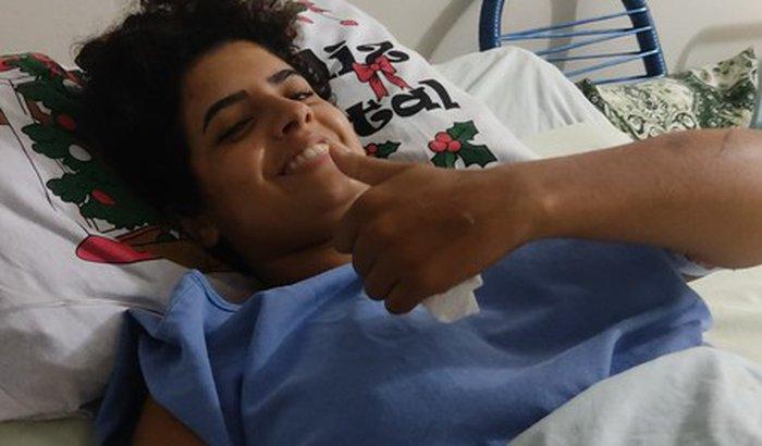 Ajuda para o tratamento da Manuella de Souza Farias