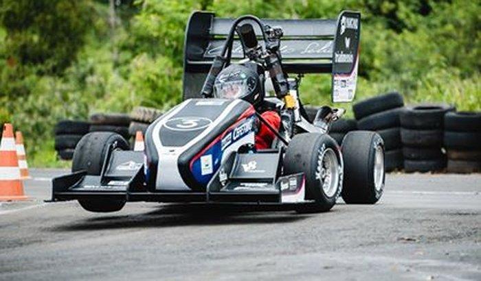 Fórmula Cefast na Formula SAE Lincoln
