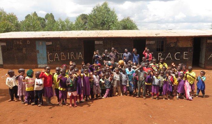 Escola para crianças refugiadas congolesas