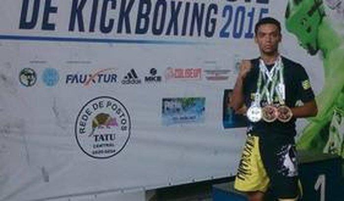 Abreu no Sulamericano de Kickboxing!