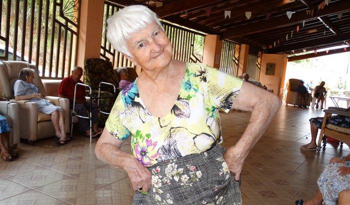 Ajuda para os idosos do Lar São Vicente de Paulo