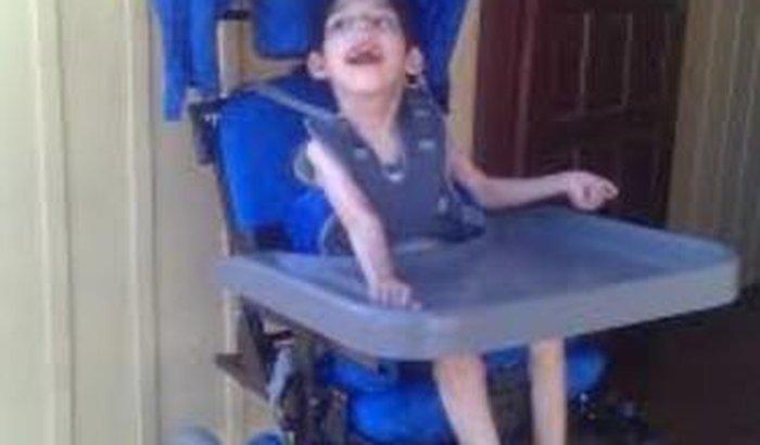 Uma Nova Cadeira de Rodas para o Gabriel