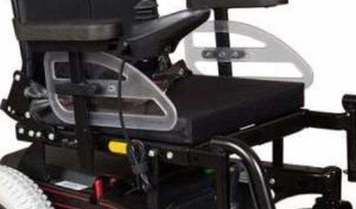 Cadeira de rodas para lara