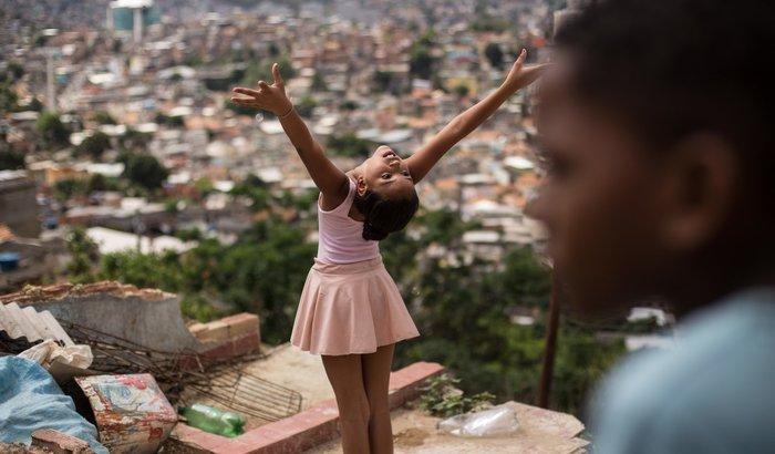 Na Ponta Dos Pés - Transformando Vidas Através da Dança