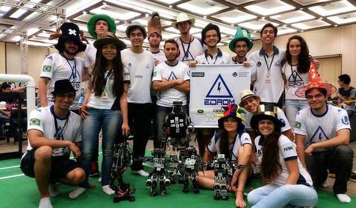 Alunos rumo à RoboCup 2016