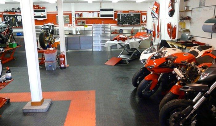 Ajudem a montar uma oficina para motocicletas.