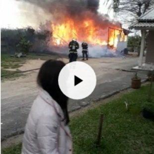 Cover casa fogo