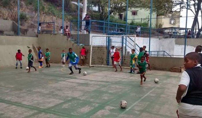 Uniforme para crianças de projeto social esportivo