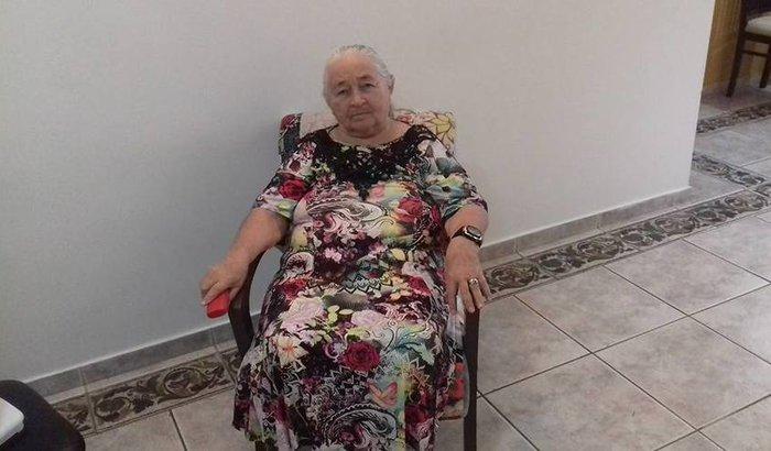 me ajudem com com os cuidados de minha avó