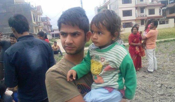 Ajuda para família no Nepal