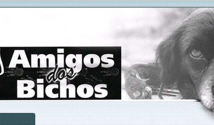 Vacinação de cães sob cuidados da ONG Amigos dos Bichos