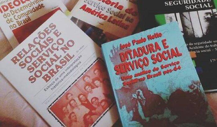 Aquisição de livros de Serviço Social.
