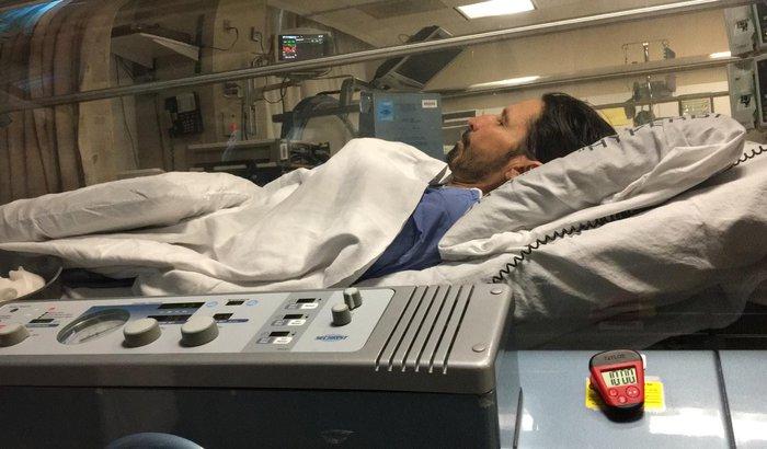 Ajude O locutor Asa Branca dar continuidade no seu tratamento