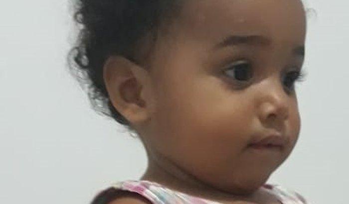 LAVÍNIA:  CONTRA A LEUCEMIA 1 ano e 4 meses