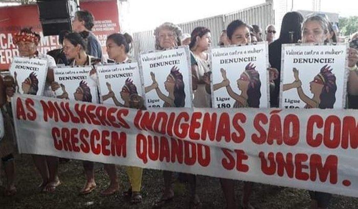 Arrecadação de fundos para I Marcha das Mulheres Indígenas