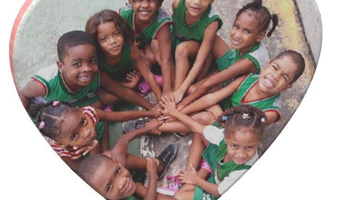 Um simples gesto pode mudar o mundo, ajude a ACF!