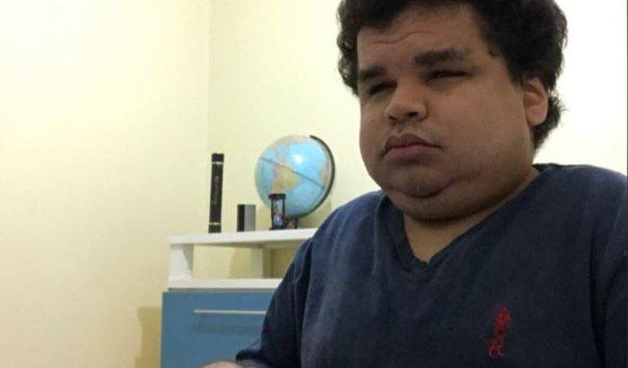 Surdo-cego-cadeirante deseja realizar sonho