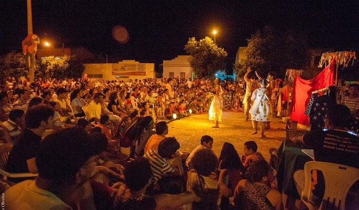 Festival Nacional de Teatro em Joaíma no Vale do Jequitinhonha