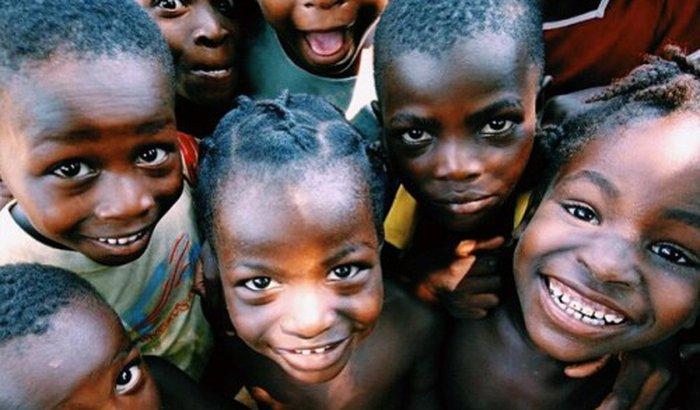 Me envie para a África