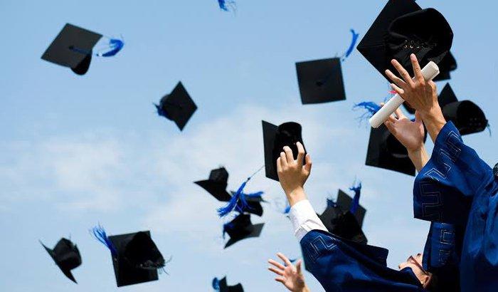 Ajude-me a realizar minha graduação no exterior