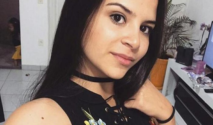 Júlia Pedroso precisa de ajuda !!