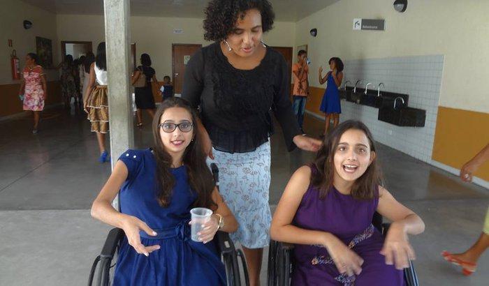 Ajude a Gabi e a Bia a melhorarem a qualidade de vida delas !