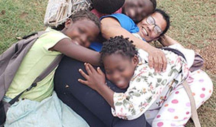 Therezinha com malária cerebral - Ajude a salvá-la!