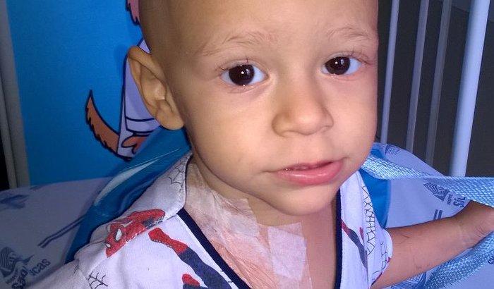 Ajude Luís uma criança de 3 anos com câncer na bexiga