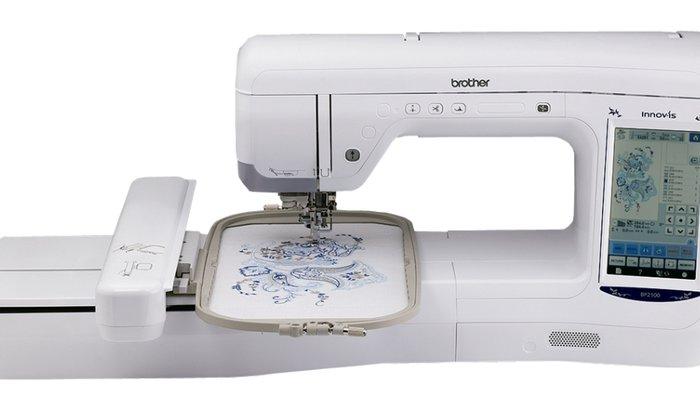Atelier e Designer  de bordados e costura